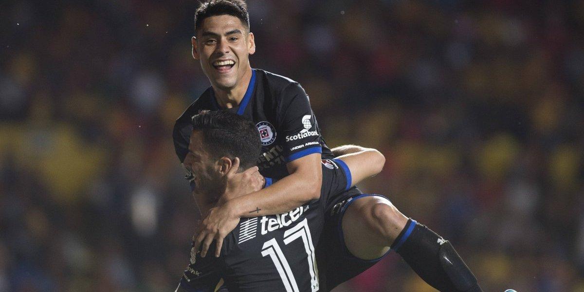 Felipe Mora marcó doblete en la victoria como visita del Cruz Azul sobre Morelia