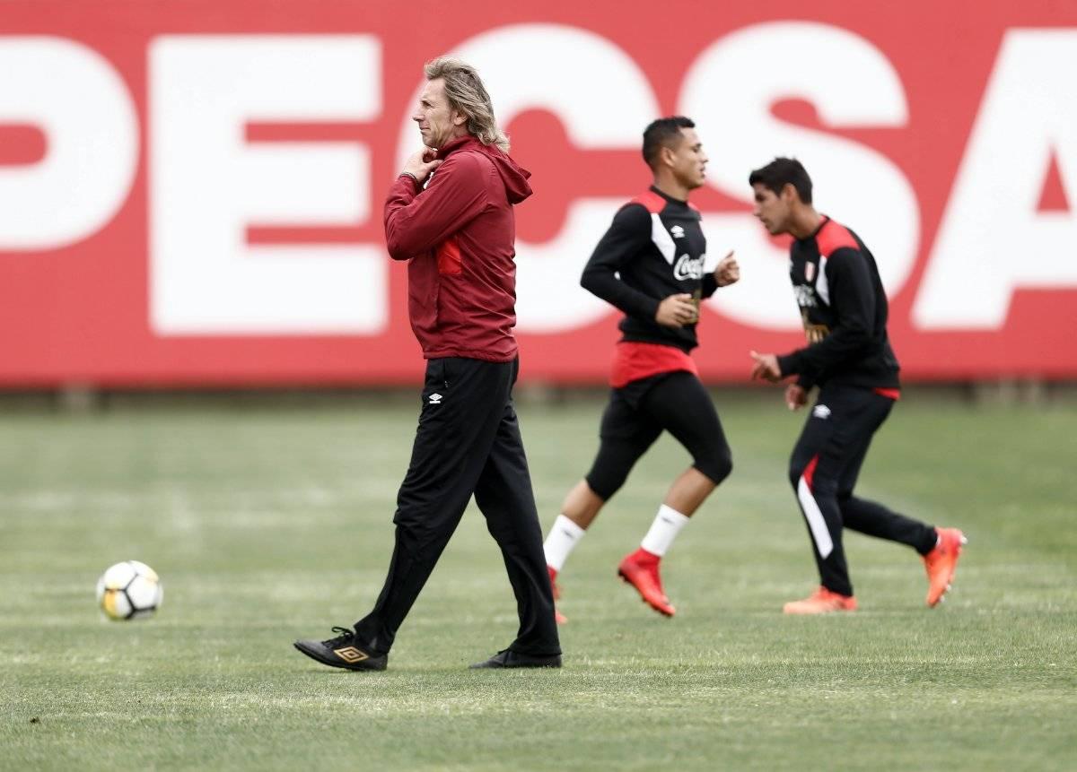 El técnico Ricardo Gareca espera lograr el pase a la Copa del Mundo de Rusia 2018.