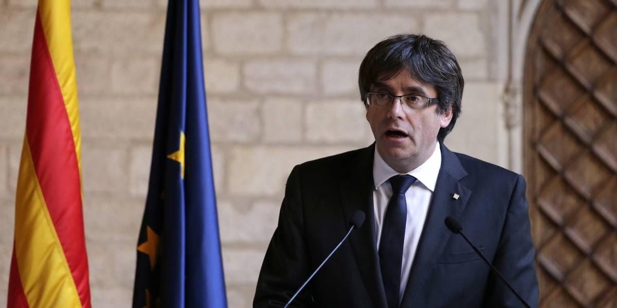 Puigdemont y 4 ex consejeros se entregan a la policía de Bélgica