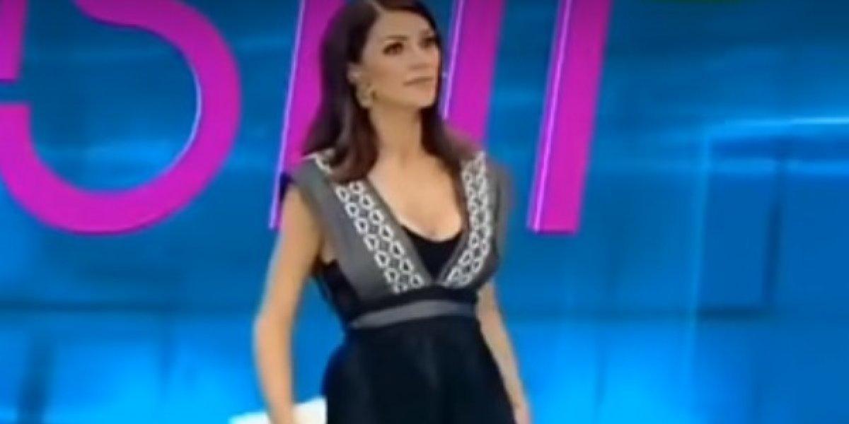 Video: Presentadora siente una araña en su cuerpo y se levanta la falda
