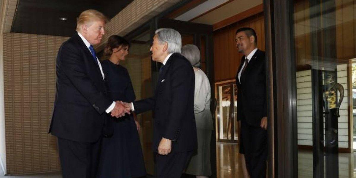 Trump rompe una legendaria tradición y se gana todas las miradas tras reunión con emperador de Japón