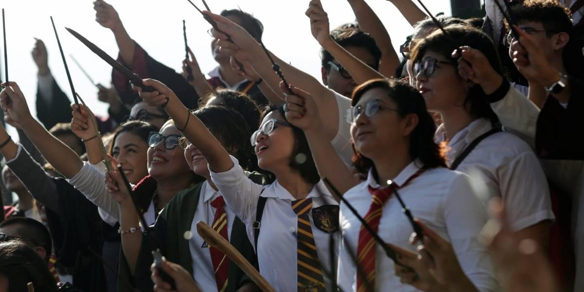 Fãs mexicanos de Harry Potter tentam quebrar recorde fantasiados como o bruxo
