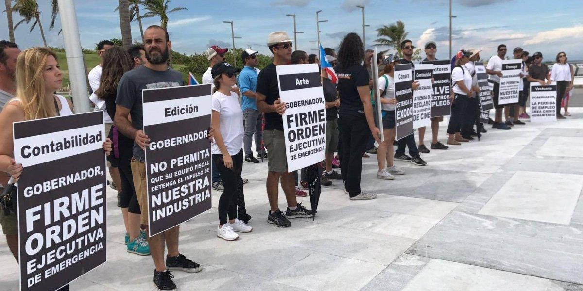 Trabajadores del cine protestan para que el Gobierno atienda problemas de la industria