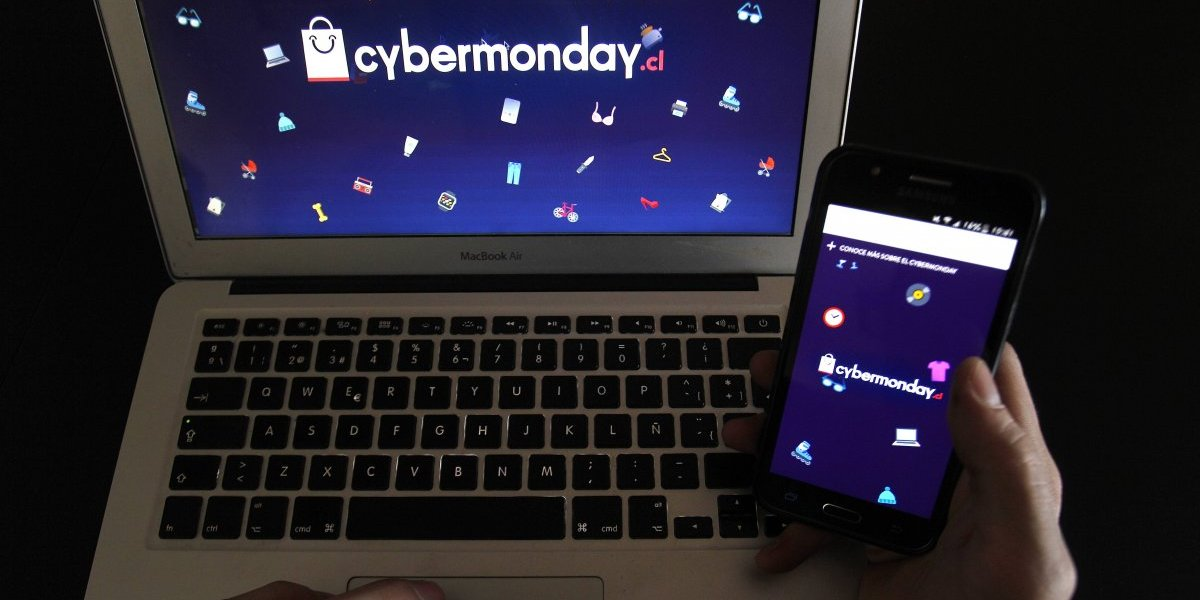 """CyberMonday """"mobile"""": más del 56% de los accesos fue a través de dispositivos móviles"""