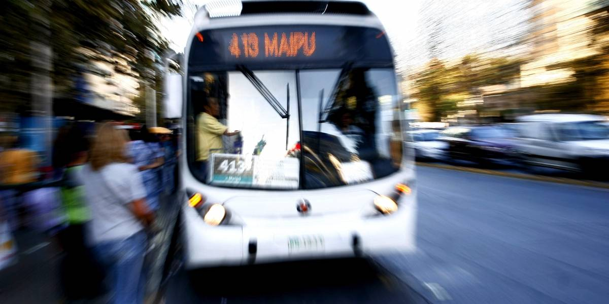 Oposición busca aumentar penas para agresores de choferes del transporte público