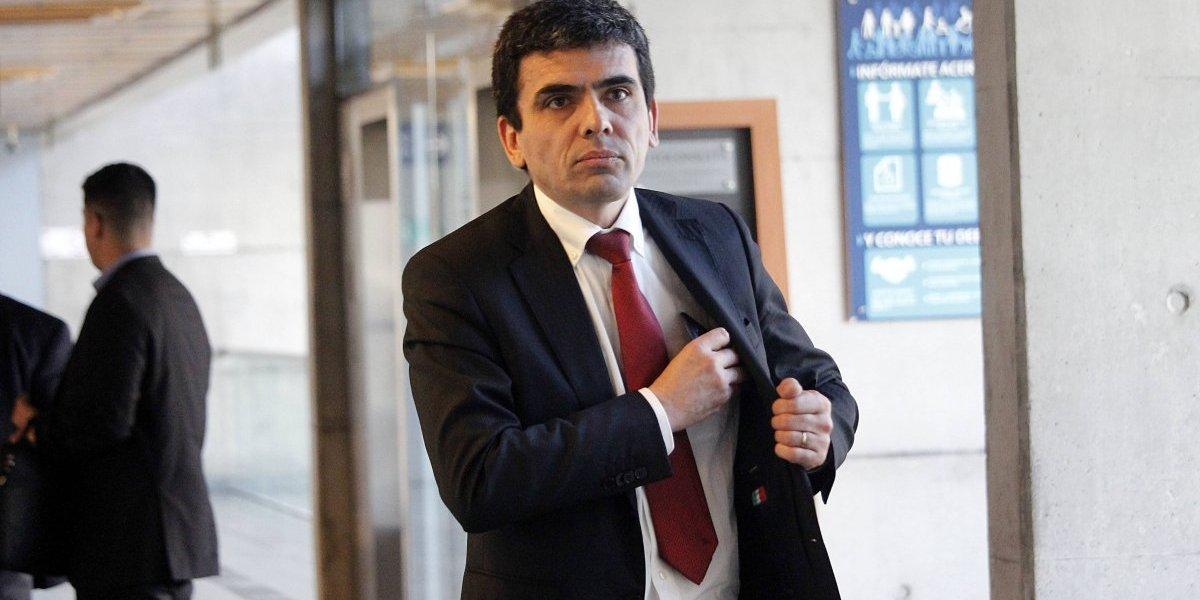 Asaltaron residencia del fiscal Carlos Gajardo en La Reina