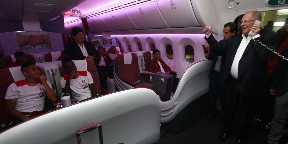 Presidente de Perú se subió al avión para despedir a la selección que irá por el Mundial