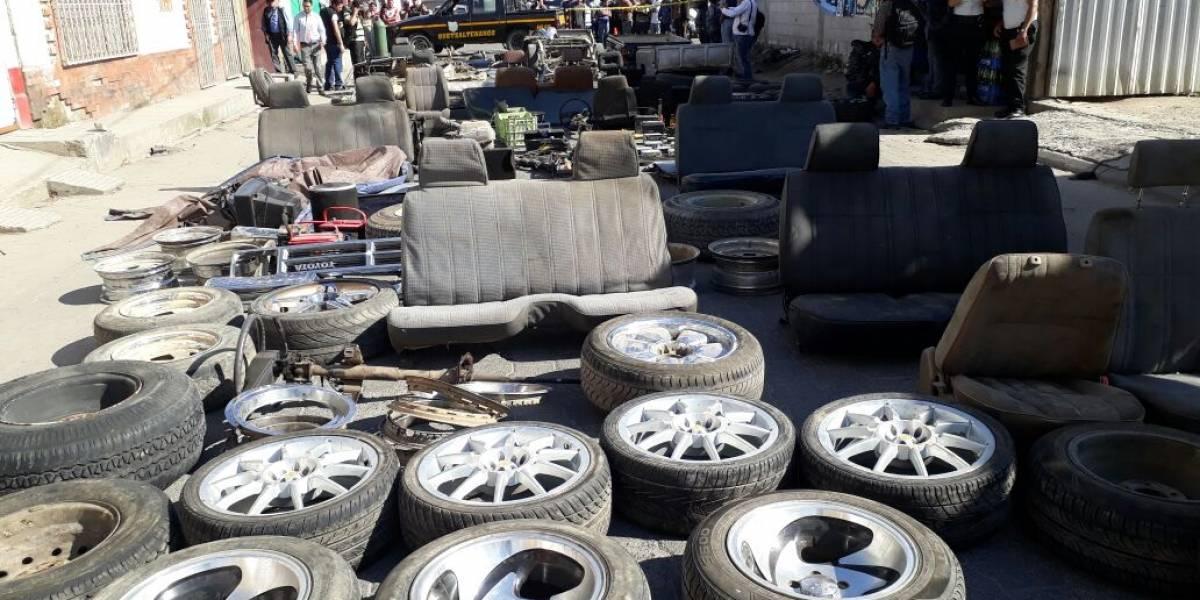 Mujer estaba a cargo de un deshuesadero de vehículos en Xela