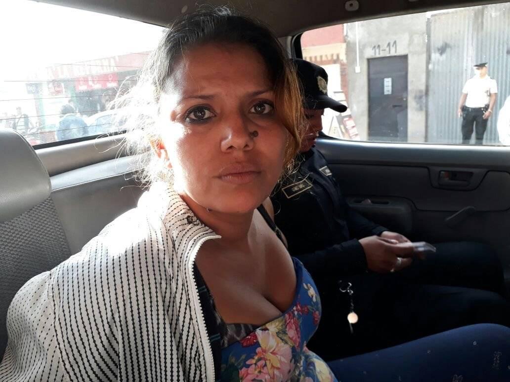 Una mujer estaba a cargo de un deshuesadero de vehículos en Xela