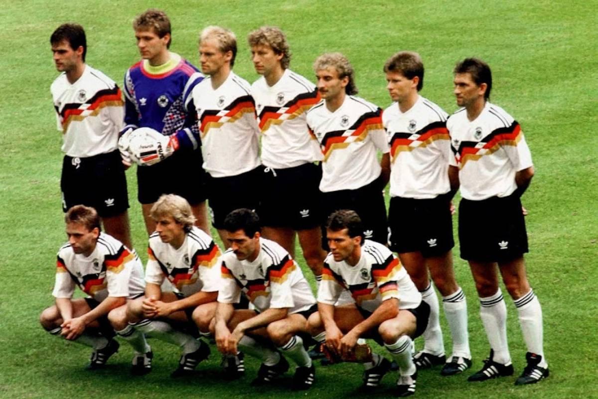 Seleção da Alemanha campeã em 1990 Reprodução/Footy Headlines