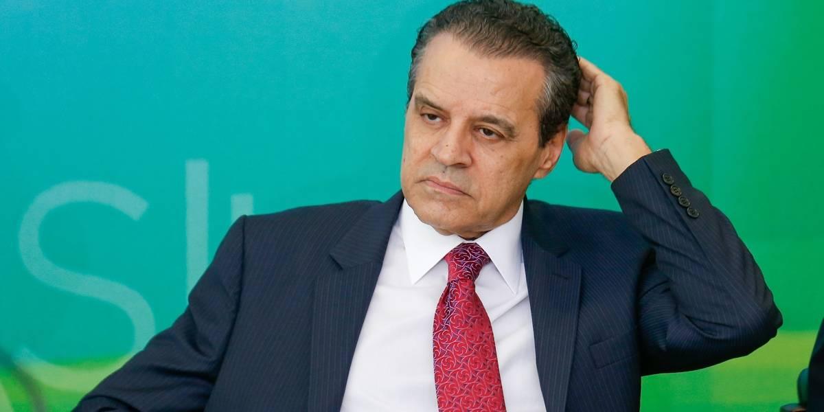 Henrique Eduardo Alves admite caixa 2 e chora em depoimento