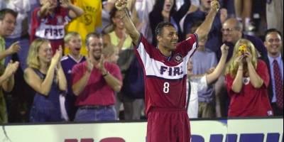 Hristo Stoichkov - Ex futbolista búlgaro que obtuvo el Balón de Oro como mejor futbolista europeo del año 1994.