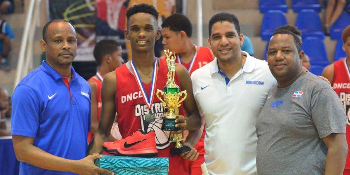 Distrito Nacional campeón torneo basket masculino U-14