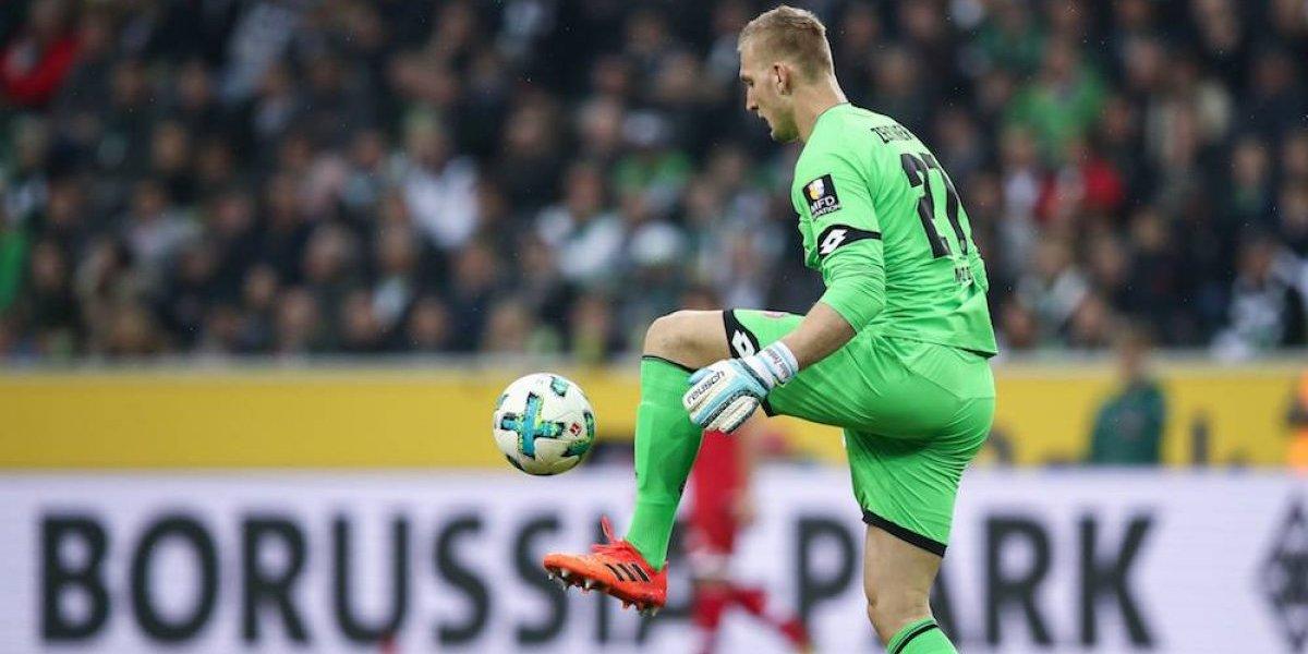 VIDEO: Portero del Mainz 05 de Alemania comete el 'oso' del año