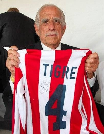 Guillermo Sepúlveda - Ex futbolista mexicano, debutó y estuvo por años con las Chivas del Guadalajara, mejor conocido como el