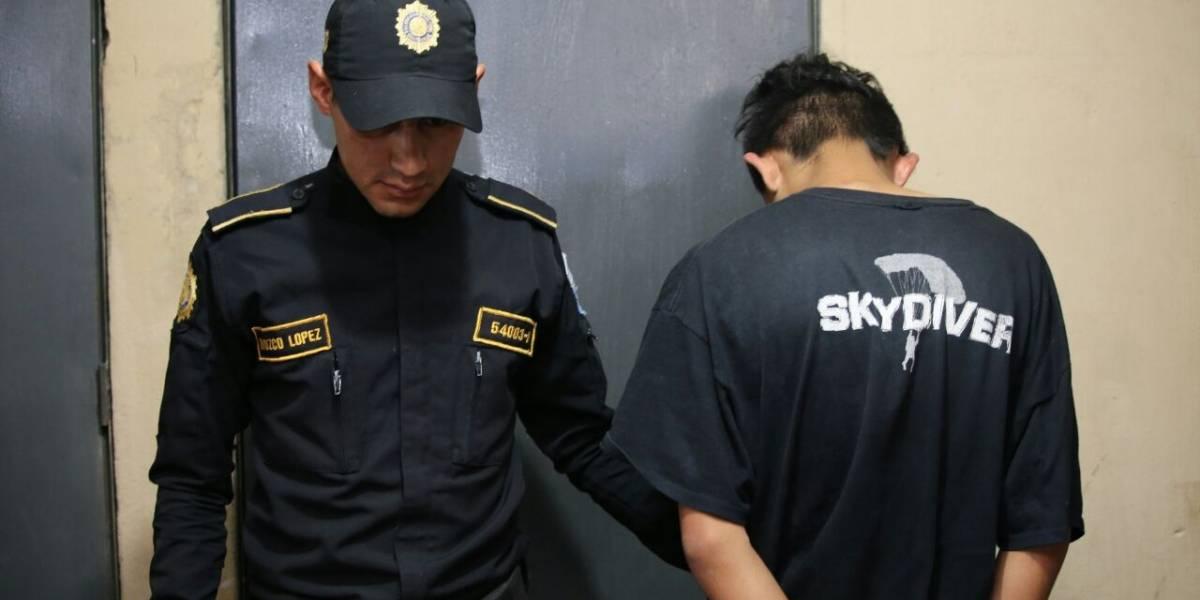 Vapulean a adolescentes señalados de crimen en Villa Nueva