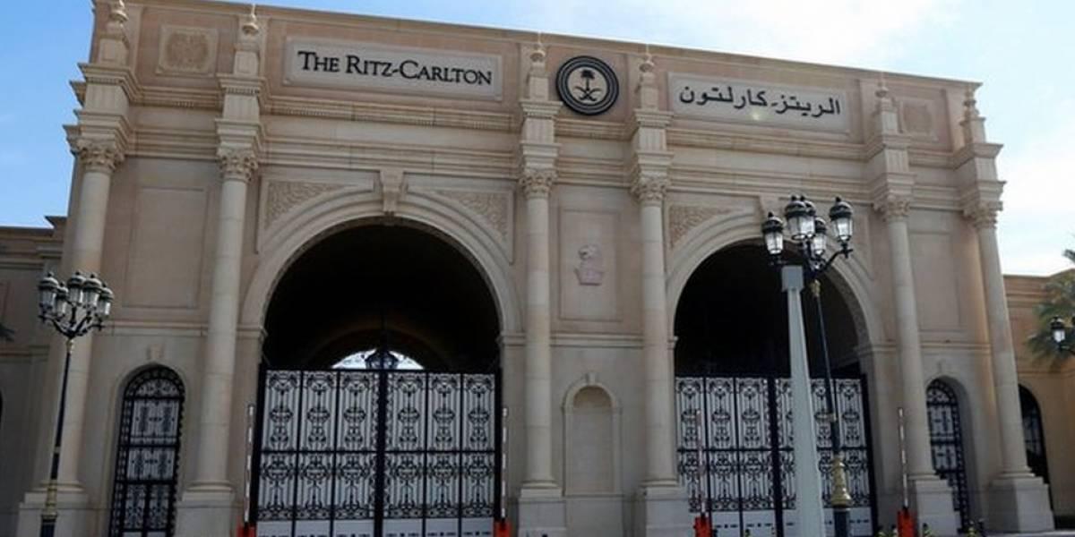 """¿Es esta la """"cárcel"""" más lujosa del mundo? El Ritz-Carlton que ''sirve de prisión'' para los príncipes de Arabia Saudita"""