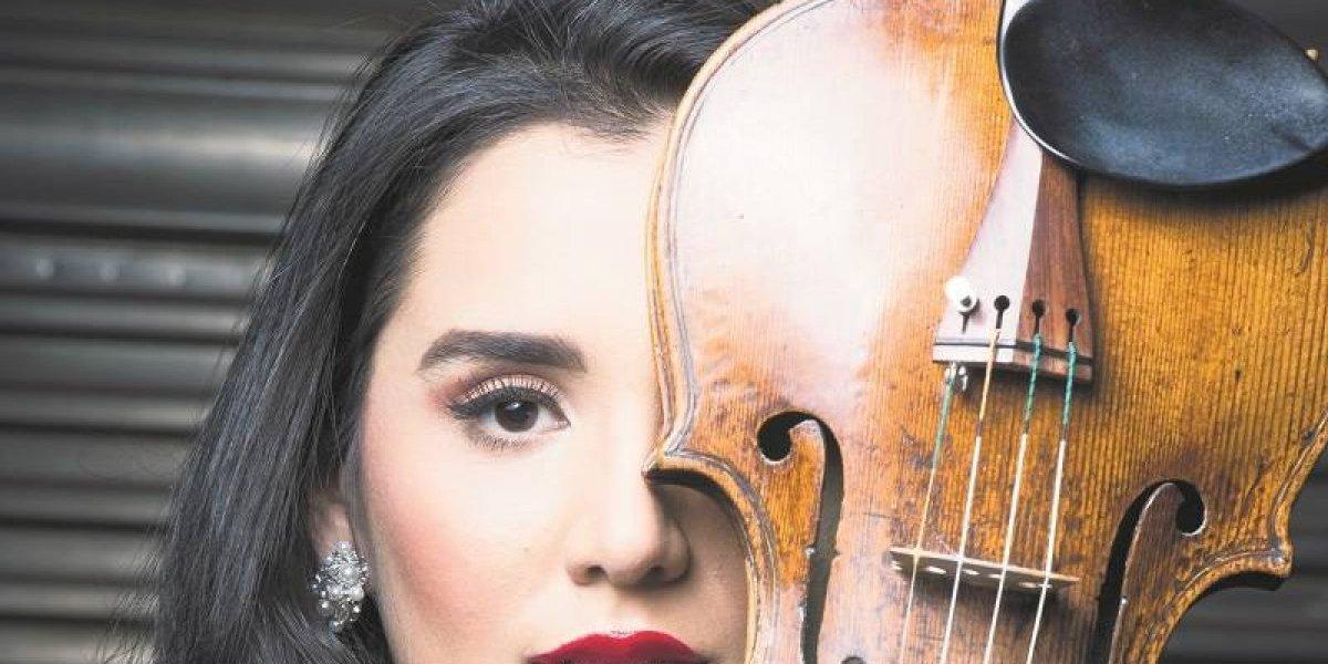 Aisha Syed: La violinista que ama la música tanto como a su familia