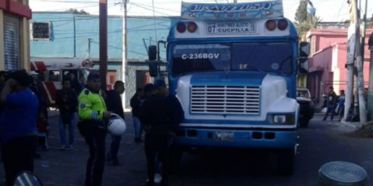 Balacera dentro de bus en Villa Nueva alcanza a ambulancia que atendió emergencia