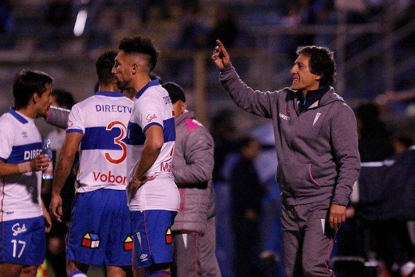 La UC de Mario Salas sumó una nueva derrota al caer ante San Luis en casa por la fecha 12 del Transición / Foto: Agencia UNO