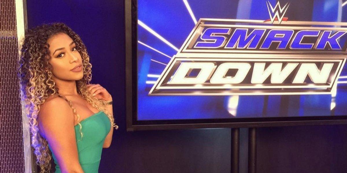 Filtran fotos desnuda de luchadora y presentadora de la WWE