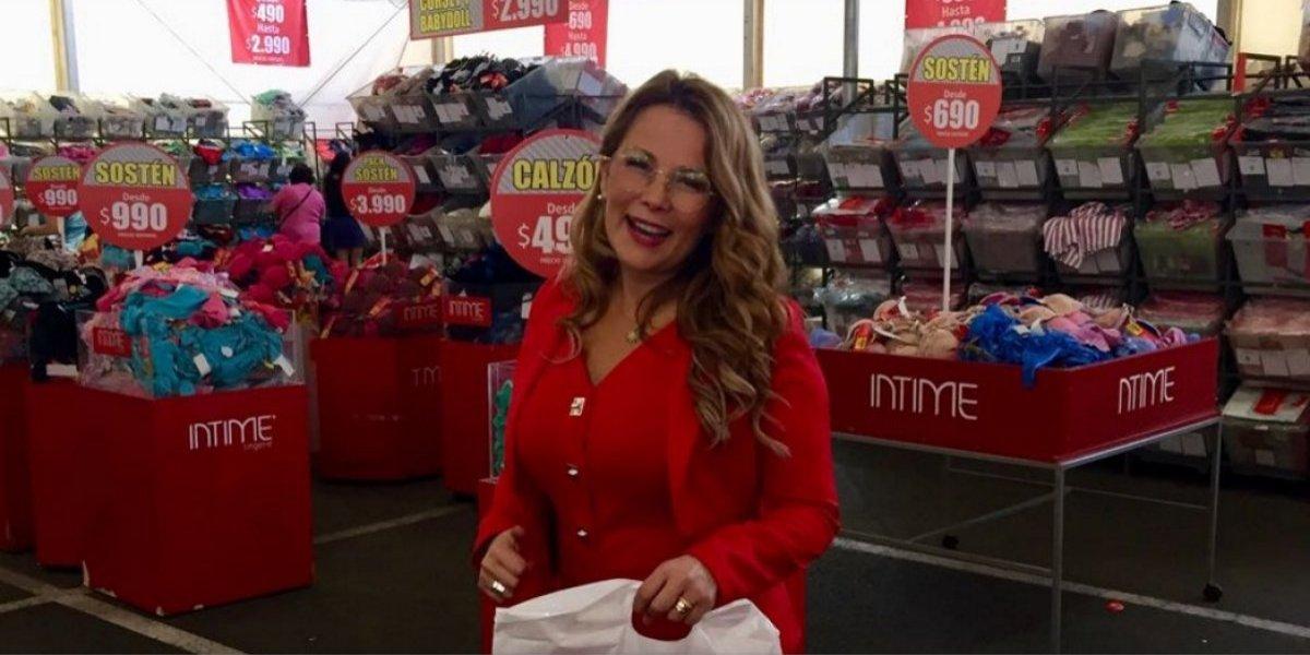 Curiosa venta de bodega en Maipú: ofrecen calzones y sostenes desde $490