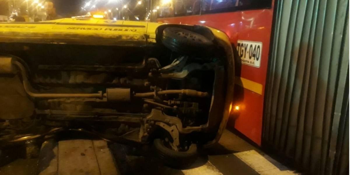 Grave accidente en el sur de Bogotá entre TransMilenio y un taxi deja un herido