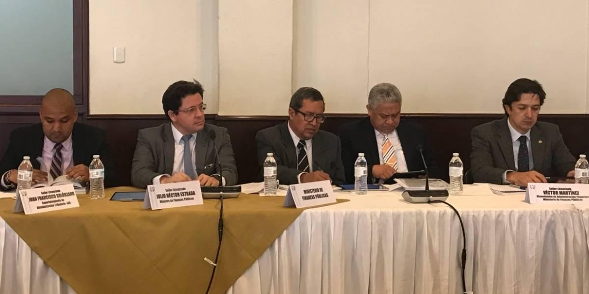 Ministro de Finanzas reconoce que no se alcanzará meta fiscal