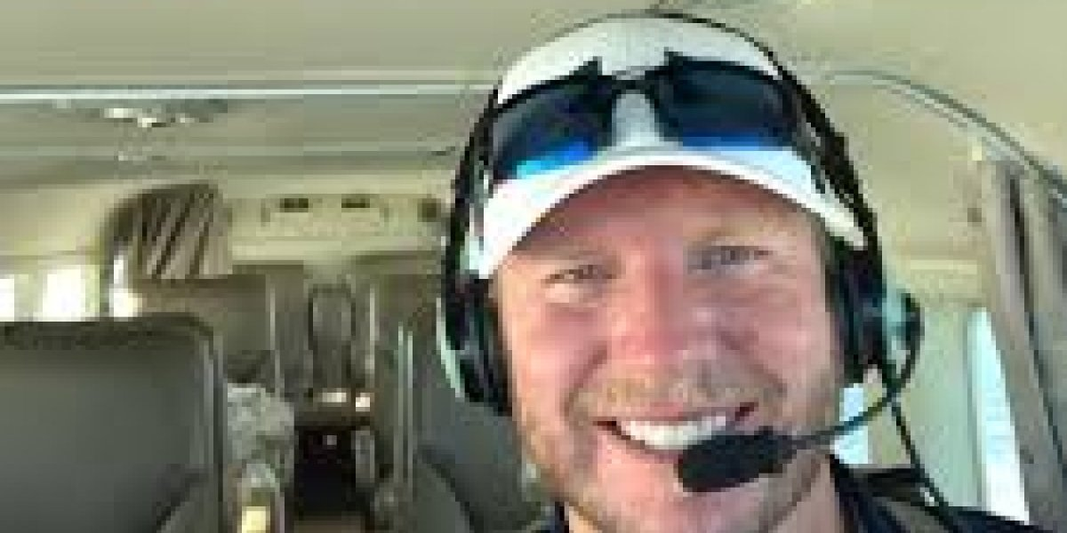 Ex estrella de béisbol falleció en choque aéreo