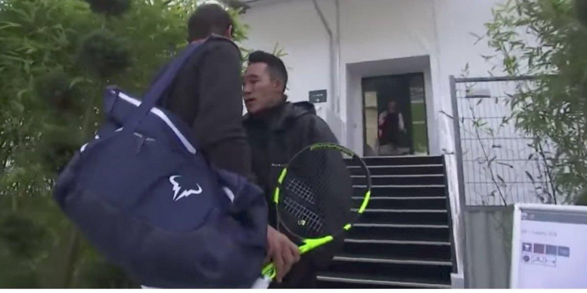VIDEO. Guardia hace loinesperado frenteal mejor tenista del mundo