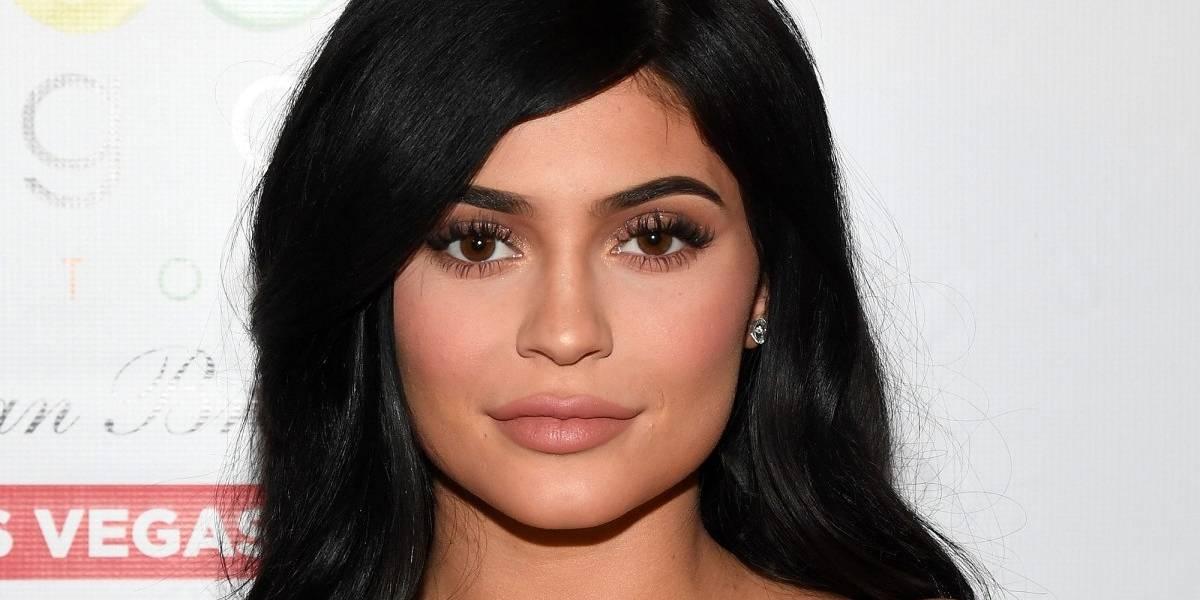 Tras rumores de embarazo, Kylie Jenner dice que fotos fueron editadas y muestra su cuerpo por primera vez