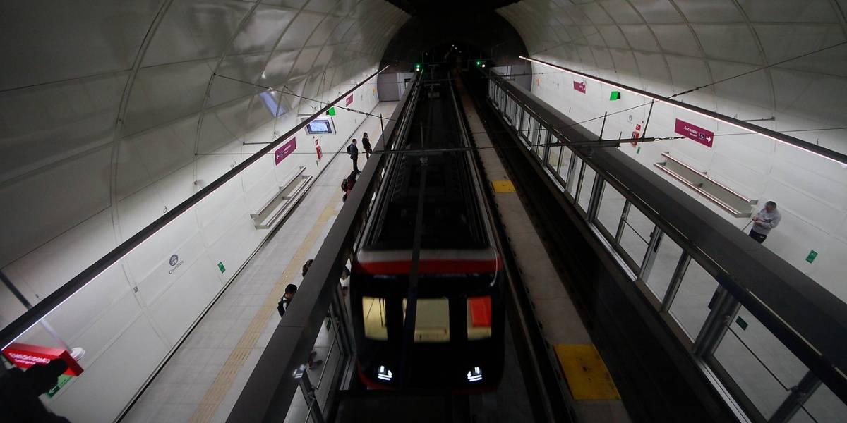"""Metro explica curioso retroceso de tren en Línea 6: """"Los trenes no pueden volverse locos"""""""