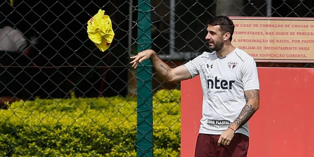 Pratto volta a treinar e é confirmado para jogo do São Paulo contra Chapecoense