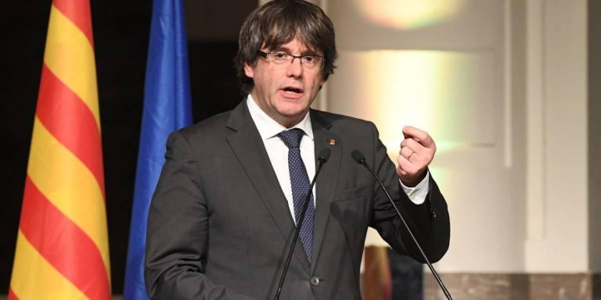 """Puigdemont a la UE: """"¿Van a continuar ayudando a Rajoy en este golpe de Estado?"""""""