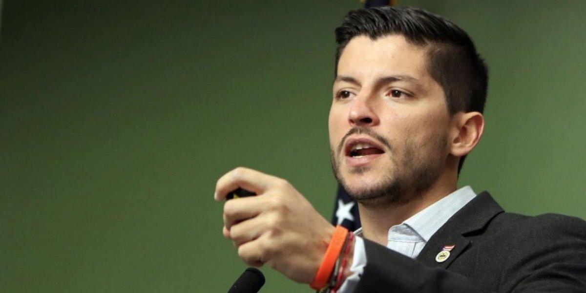 Natal apela a perder el miedo al anunciar candidatura a alcaldía de San Juan