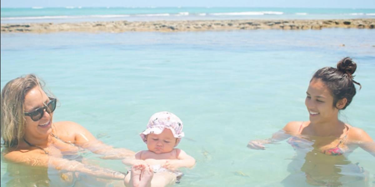 Filha de Yanna Lavigne e Bruno Gissoni curte praia em Pernambuco; veja fotos