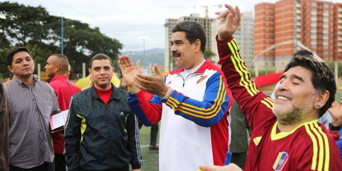 """Soldado de la Patria Grande"": Maradona se divirtió jugando pichanga con Maduro"