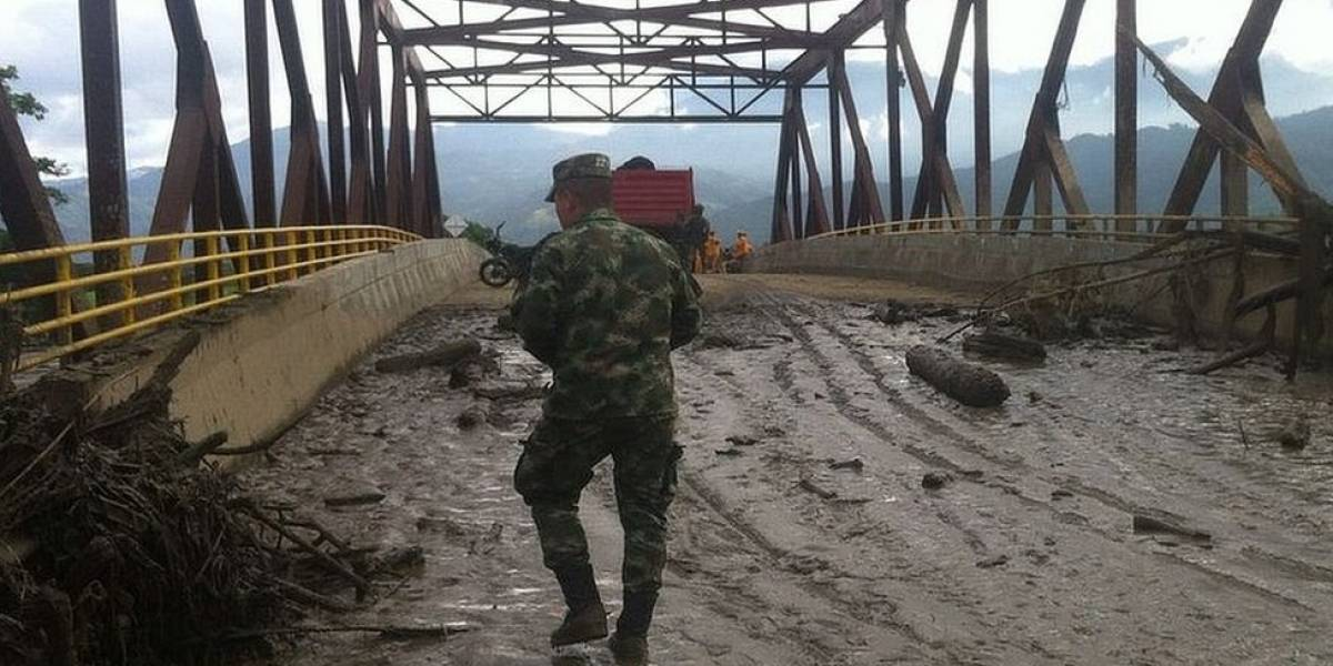 Al menos cuatro muertos al desbordarse un río en Colombia
