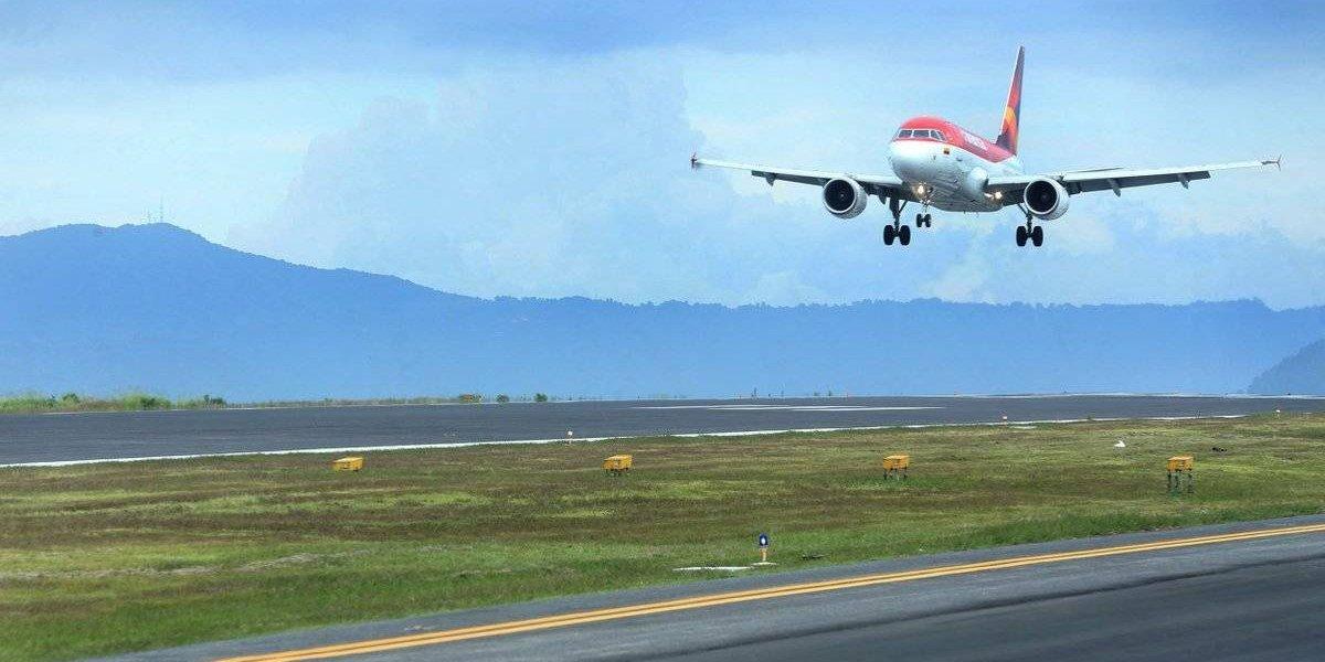 """Tras críticas de pilotos, Aeronáutica afirma que """"Guatemala es un país seguro para el vuelo"""""""