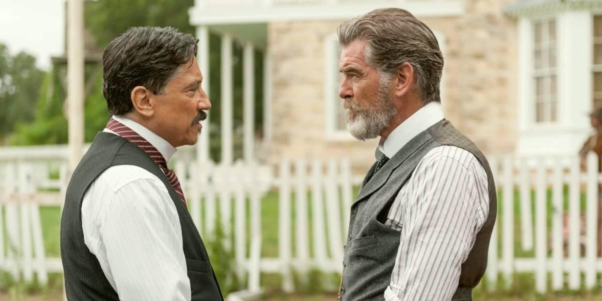 Carlos Bardem le hará la vida imposible a Pierce Brosnan en 'The Son'