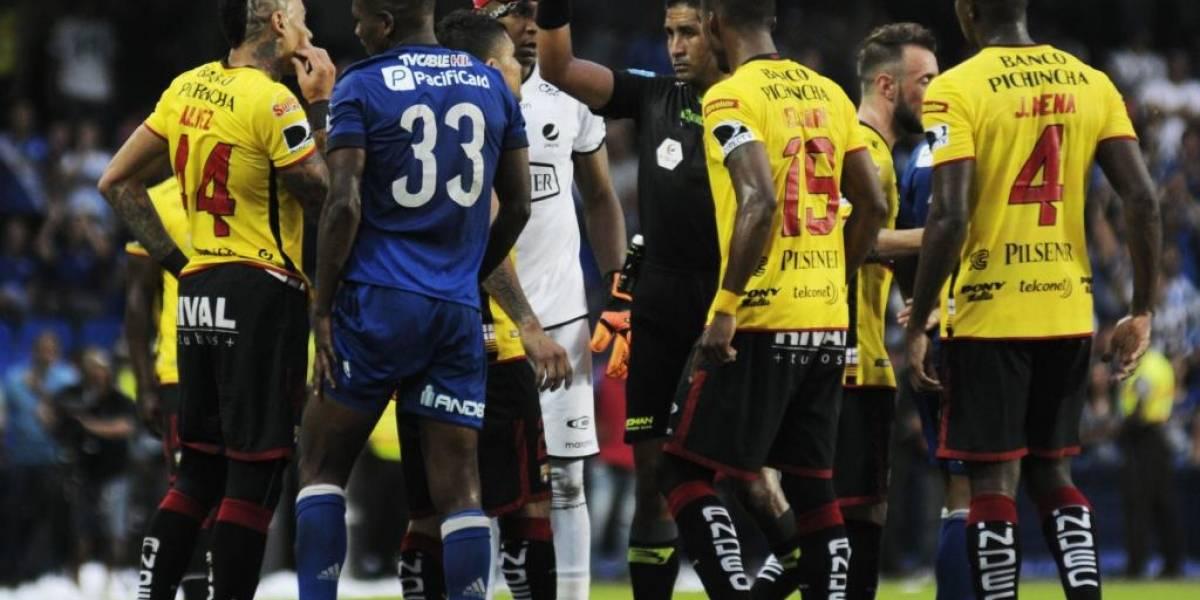 Emelec se lleva un empate contra Barcelona en intenso Clásico