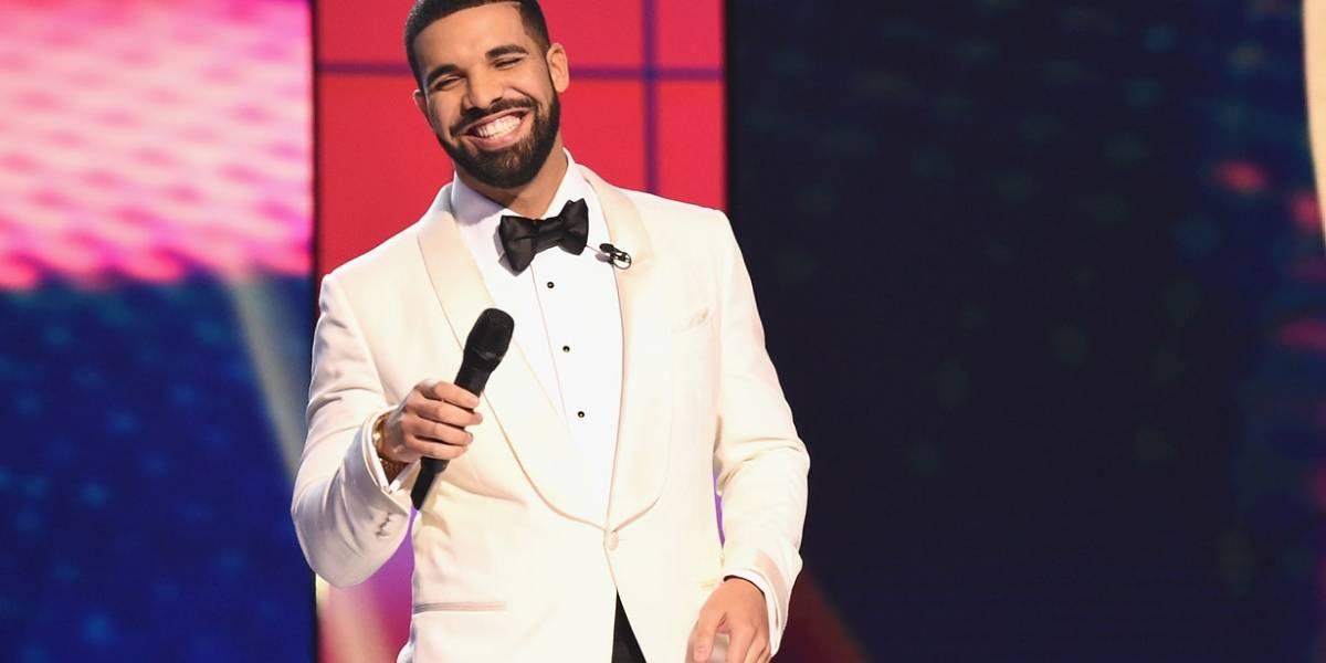 Rapper Drake doa milhares de dólares para escola e bolsa de estudos para aluna