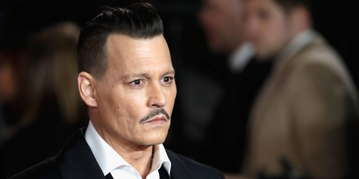 Video muestra a Johnny Depp ebrio en la premiere de Asesinato en el Orient Express