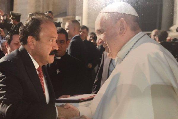Armando Ahued con el Papa Francisco
