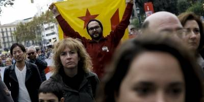 manifestantescataluna13-a934e04a9f6b5605b54a59733dc6aae5.jpg