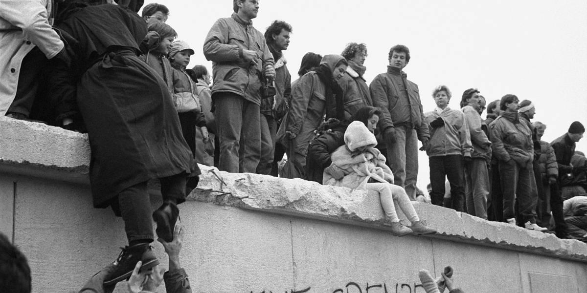 5 curiosidades sobre o Muro de Berlim, que caía há 28 anos