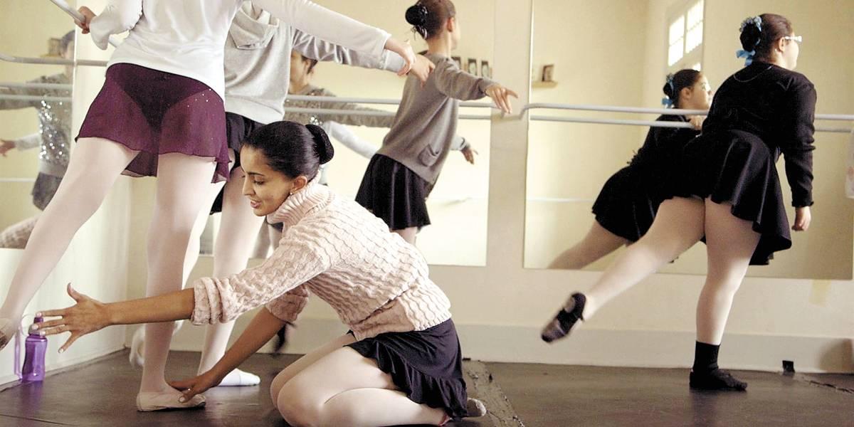 Olhando para as Estrelas acompanha desafios e sucessos de bailarinas cegas