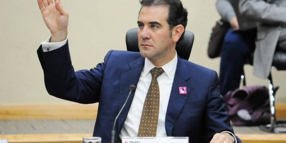 INE permitirá a aspirantes independientes recabar firmas en 'papel'
