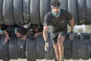 Esportista declarado, ele participou da Sandstorm, uma corrida de obstáculos na areia