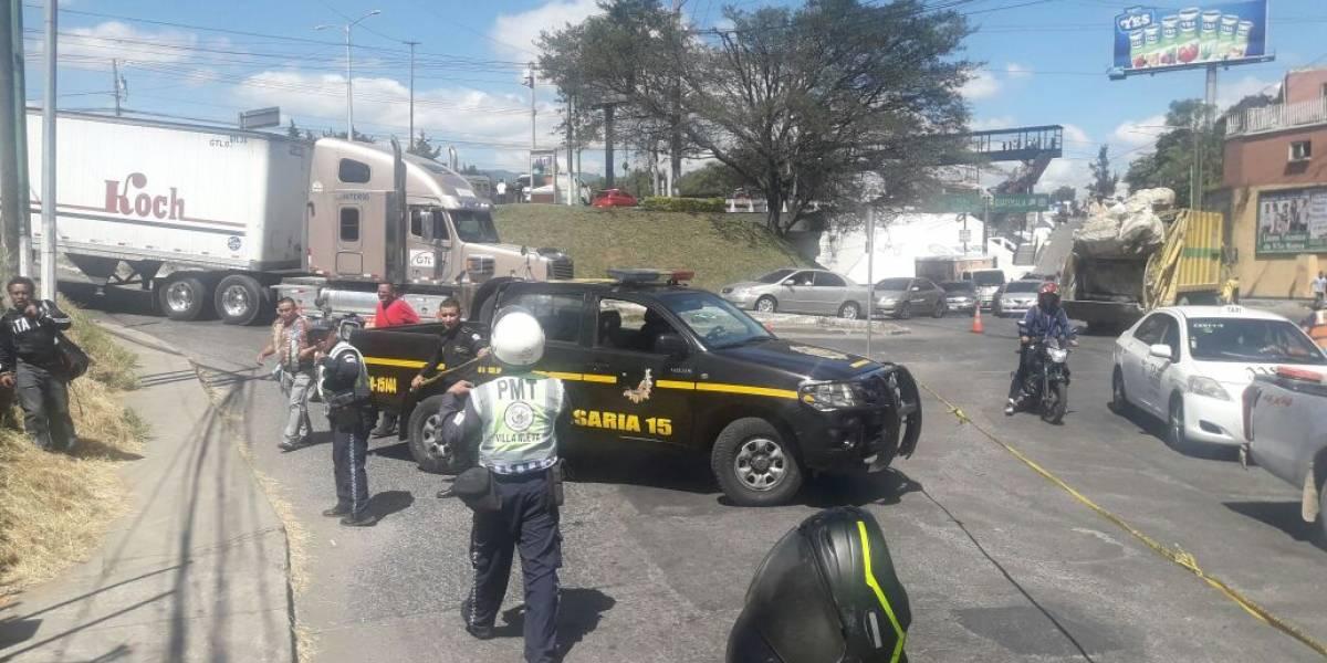 Dos muertos tras ataque armado en parada de buses en Villa Nueva